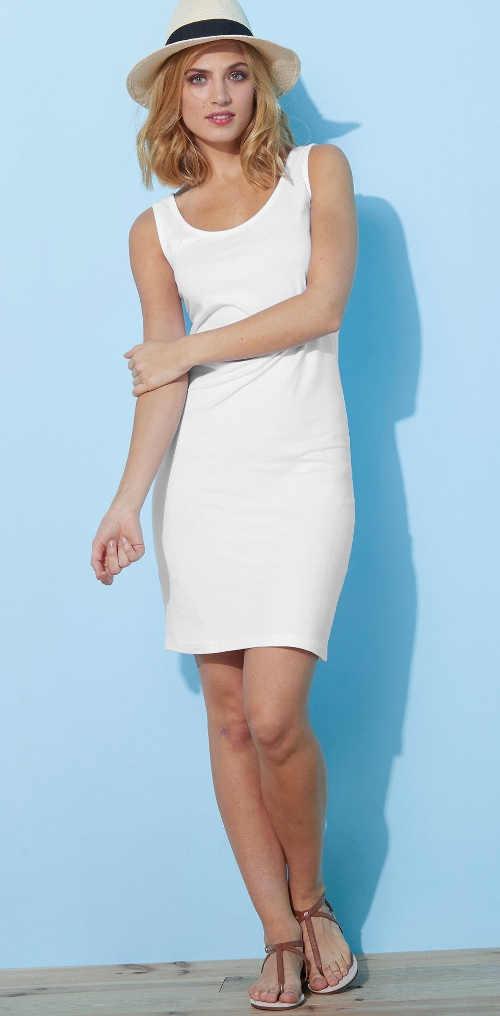 Egyszínű ruha fehér, fekete vagy szürke színben