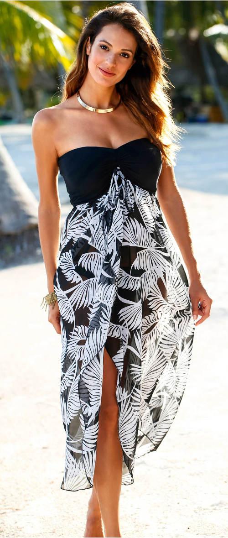 Hosszú, pánt nélküli tengerparti ruha