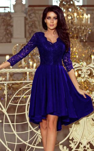 Kék gömbölyű ruha széles redős szoknyával és háromnegyed csipke ujjal