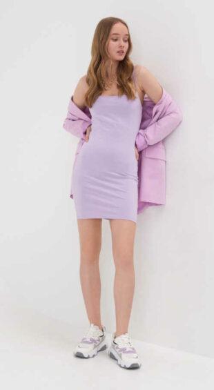 Egyenes szabású mini ruha vékony pántokkal levendulaszínben