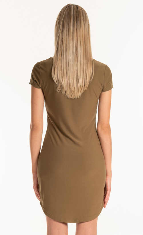 Egyszerű nyári ruha rövid hosszúságban