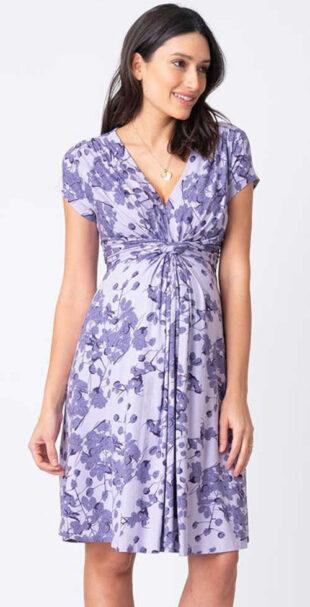 Kismama ruha modern szabásban és virágos mintával