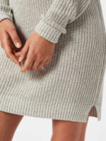 Szürke kötött női ruha hosszú ujjakkal
