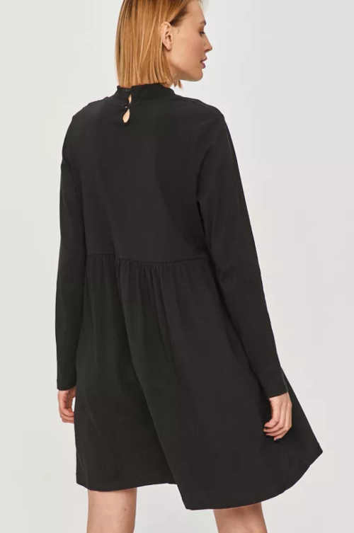Fekete ruha modern hosszú ujjú