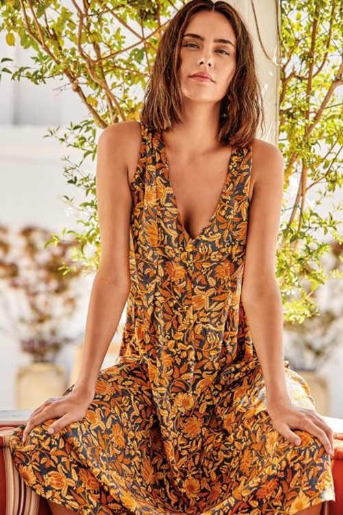 Luxus strandruha kényelmes szabással és modern mintával