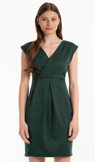 Ujjatlan ruha modern zöld színben, hatékony szabással