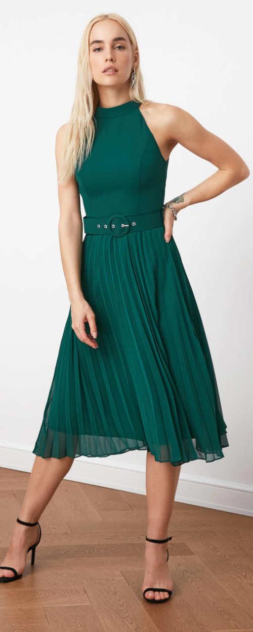 Elegáns zöld ujjatlan női ruha pliszírozott szoknyával