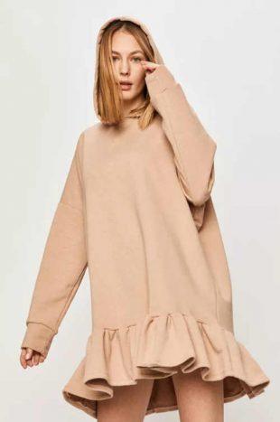 Oversize ruha kapucnival és fodros szegéllyel bézs színben