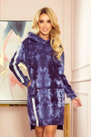 Rövid ruha batikolt megjelenésű, hosszú ujjú és kapucnis ruhával